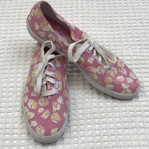 Keds Women Shoe Size 6 NWT Daisy Pink Vintage